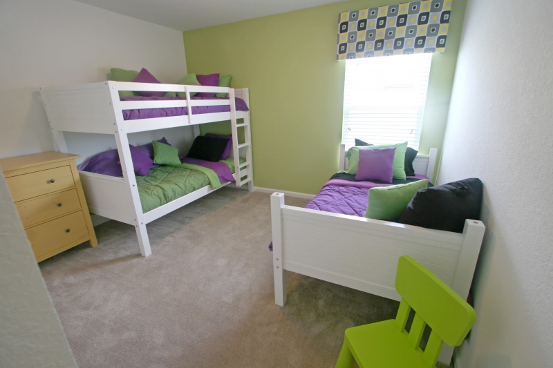 twin-and-bunk-bedroom